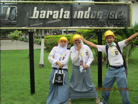 Dari-kiri-Anita-Praptaning-Nur-Wijaya