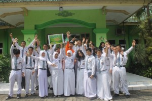 Tim Marketing & Communication - Pemandu Lomba Sekolah Hijau Kota Malang