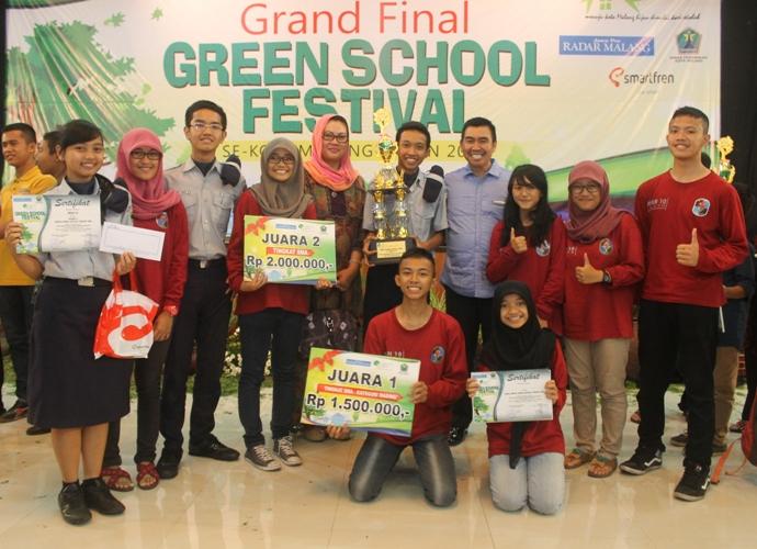 Tim Green School SMANDASA Foto Bersama Walikota Malang