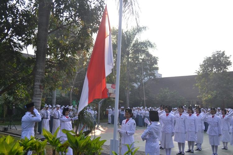Pengibaran Bendera Merah Putih..
