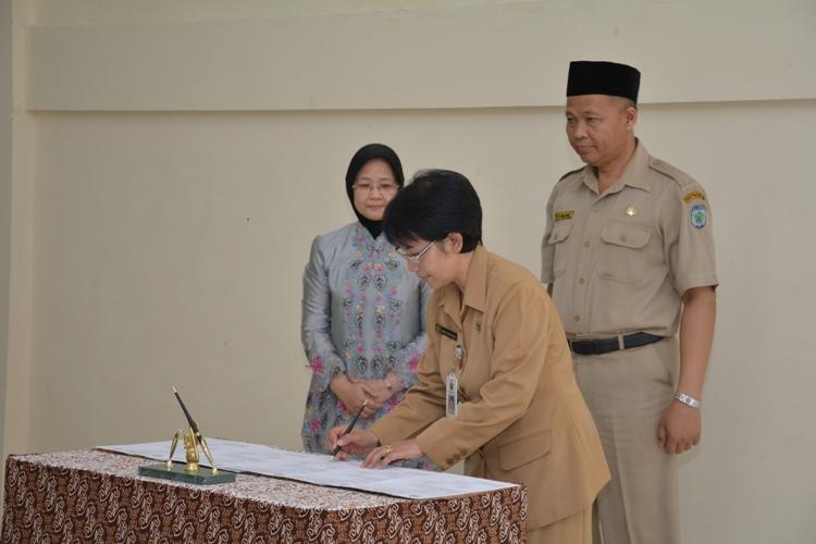 MoU Serah Terima Jabatan Kepala SMAN 10 Malang
