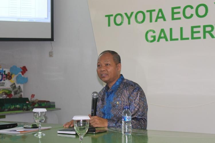 Kepala SMAN 10 Malang Bapak Drs. Tri Suharno, M.Pd