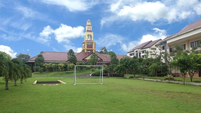 SMAN 10 Malang (Leadership Academy).
