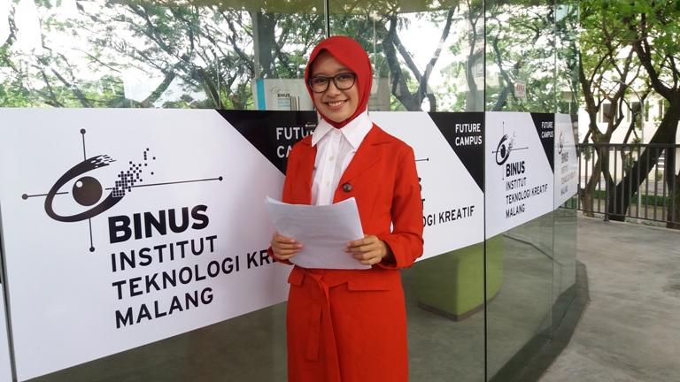 Mafryanda Safinaturrizqy Addiena Shafa - Juara 2 News Anchor Nasional