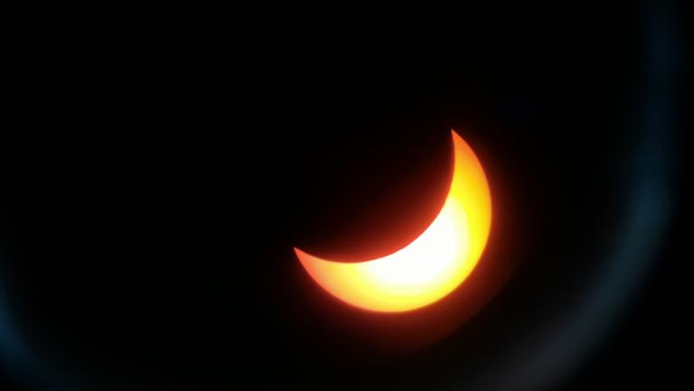 Pengamatan Gerhana Matahari