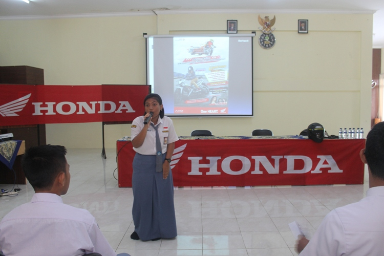 Perform Rizqila Nungky