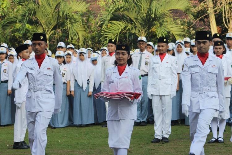 Tim Pengibar Bendera Merah Putih
