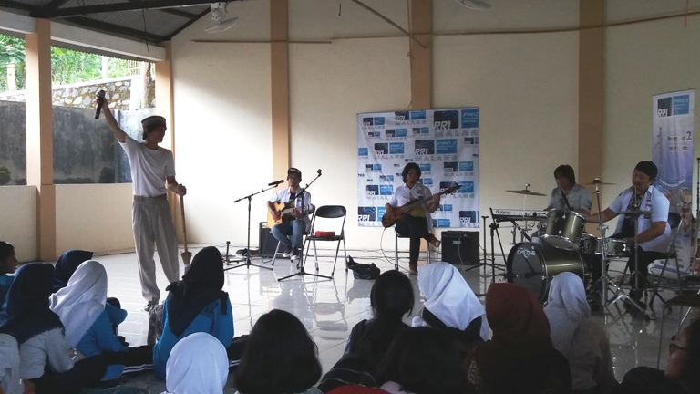 Perform Flanella Band