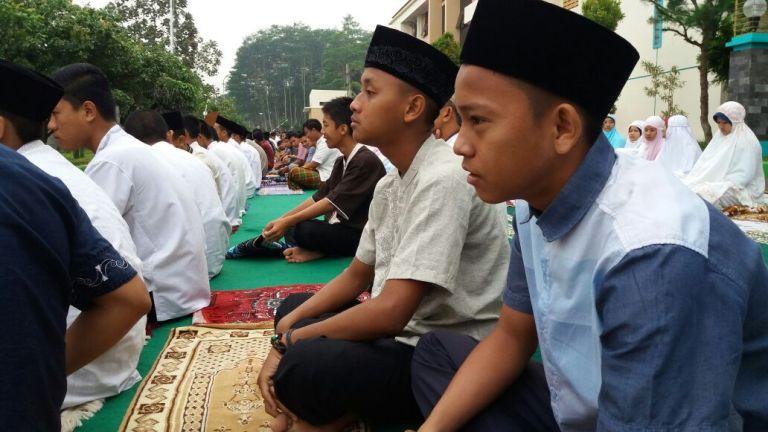 Sholat Idul Adha di Asrama Leadership Academy