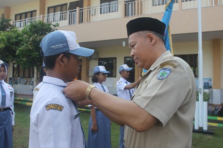 Penyematan Pin Ketua OSIS