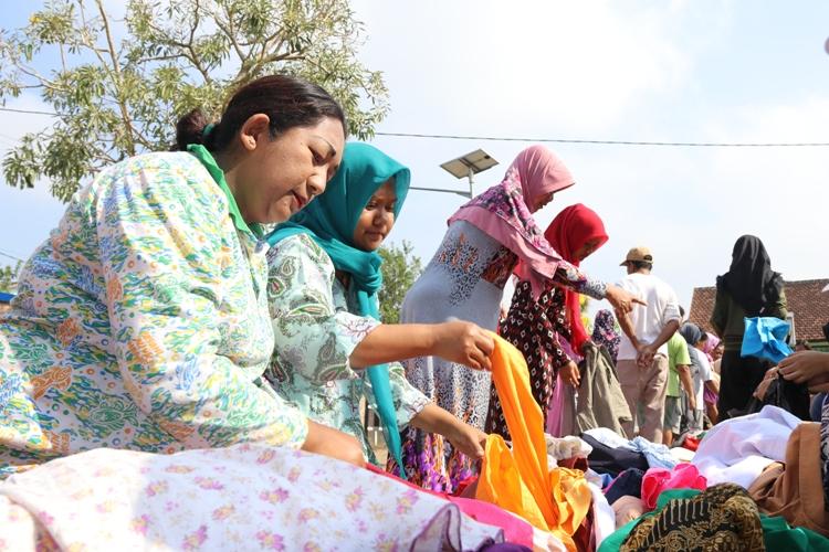 Foto 6 - Bazar dan Bakti Sosial