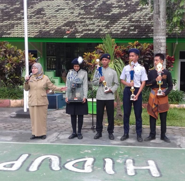 Juara Lomba PBB Paskibra SMAN 10 Malang