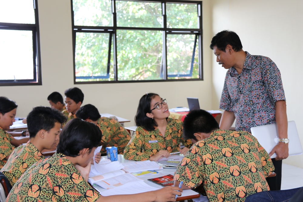 Visitasi SKS di SMAN 10 Malang