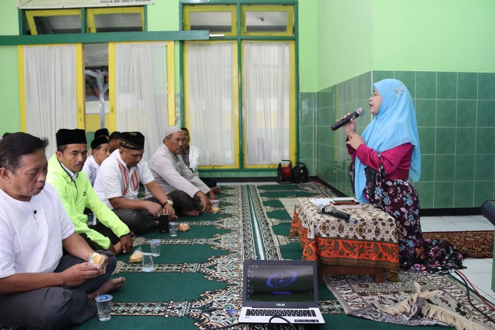 Sambutan Ibu Kepala Sekolah Dr. Husnul Chotimah, M.Pd