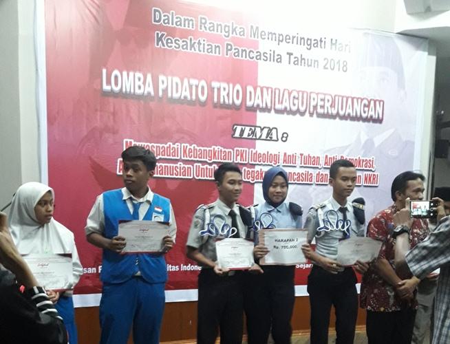 Juara Harapan 2 Pidato Trio